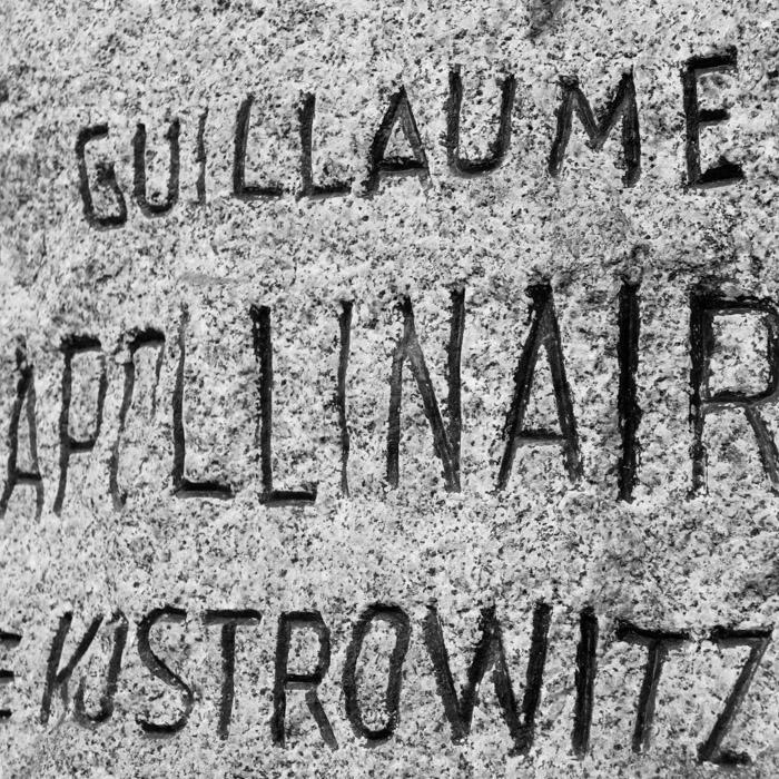 Curiosités typographiques au cimetière du Père Lachaise